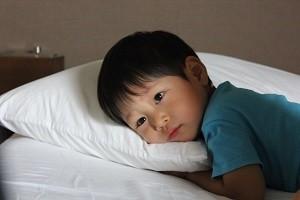 男の子寝る